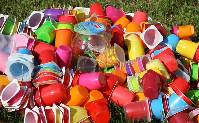 Sampah Plastik Sebabkan Penyakit Malaria