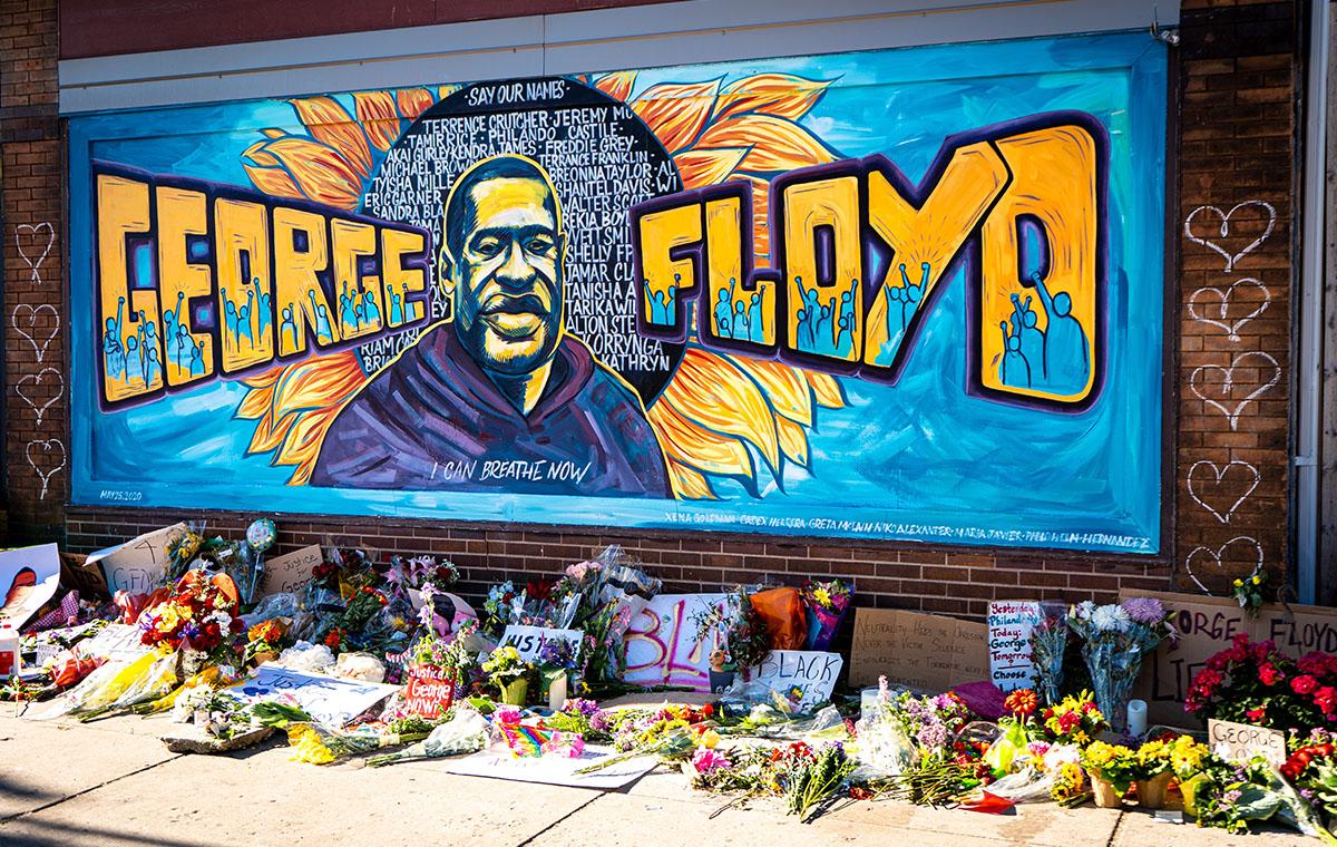 Aksi Bersihkan Sampah Demo Goerge Floyd